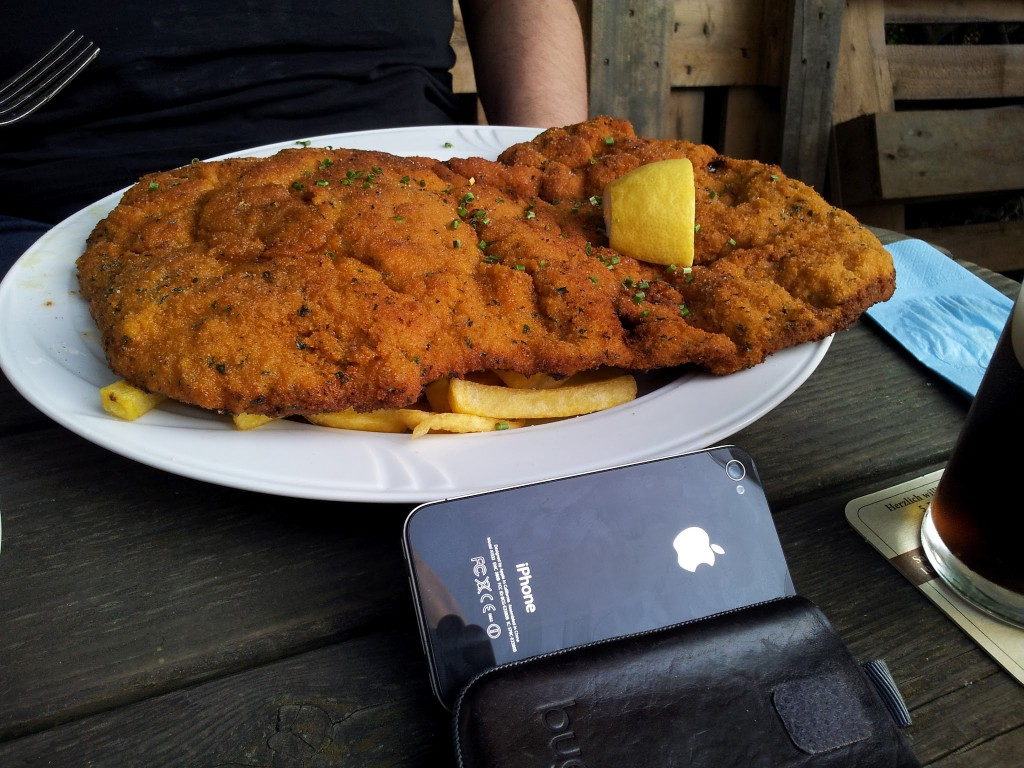Bild vom Monsterschnitzel im Schnitzelhaus Post